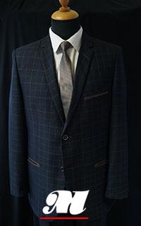 151951525e474 Garnitur w kratkę. Garnitur wykonany z powracającej do świata mody tkaniny  ...